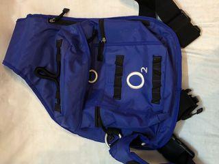 Рюкзак молодежный с одним плечевым ремнем с карманами и поясом
