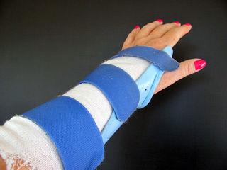 Reabilitare -  masaj  si manualistica / kinetoterapie   inscrierile se fac preventiv la tel