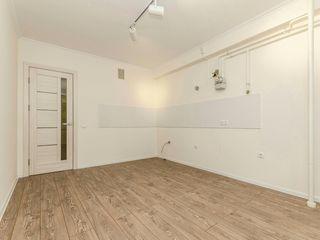 Продаётся однокомнатная + ливинг 45кв.м. Середина 2 этаж/ 1 camera+living Buiucani mijloc.Proprietar