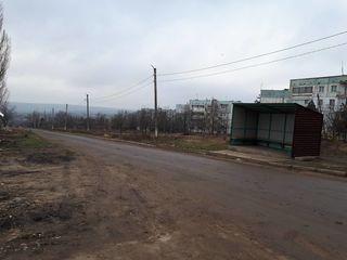 4 odai in Maximovca (la intrare in localitate), cu incalzire autonoma in casa din cotilet...