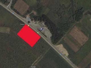 Se vinde teren pe traseul R1 Chisinau-Ungheni 45 ari