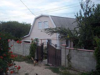 Casă în suburbia  Chișinăului cu toate comoditatile.