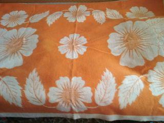 Продам шерстяное одеяло . покрывало велюровое