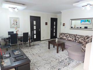 Vand apartament cu 2 odai + living, 2 bai, oficiu. 70m2.Buiucani Durlesti.Proprietar.