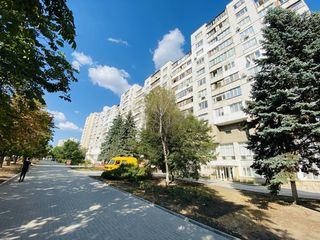 Prima Linie! bd. Moscova, sec. Râșcani, 3 camere, 72mp. Bilaterală! Parc Avgan!!!