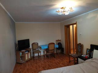 Срочно продается 2х комнатная квартира с хорошим ремонтом!