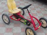 bicicleta  cu 4 roti