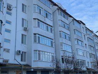 Apartament 121.5 m2 + garaj și beci (42m2)
