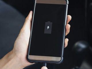 Samsung nu se încarcă telefonul- în aceeaşi zi luăm, reparăm, aducem !!!