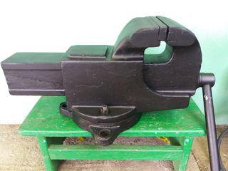 Тиски большие СССР 140 мм