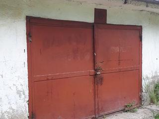 Продам или сдам в аренду гараж в центре города Единец.