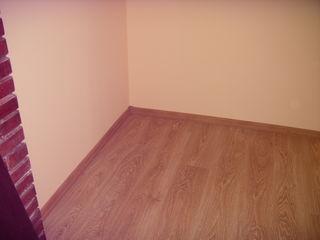Urgent! Vind apartament cu 2 camere in orasul Singerei, zona Albinuta. Pretul este negociabil!