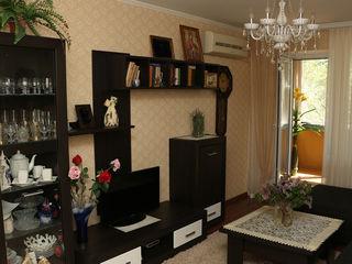 Срочно меняю хорошую 3-х ком. квартиру в г. Бендеры на Кишинёв или пригород Кишинёва.Продам.