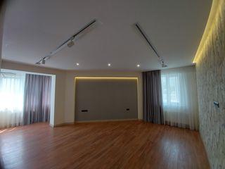 Vînzare apartament 87 m2 bloc nou reparat Centru