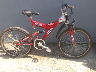 doua biciklete 2000lei ambele trebu reparate