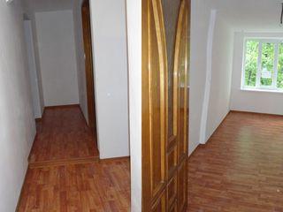 Apartament cu 2 odai in Briceni Centru euro reparatie