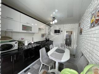 Vânzare apartament 3 camere + living, 80 mp, reparație, Poșta Veche, 49 900 euro!