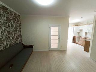 Apartament în bloc nou, o cameră + living, euroreparatie, de la proprietar. linga piata delfin!