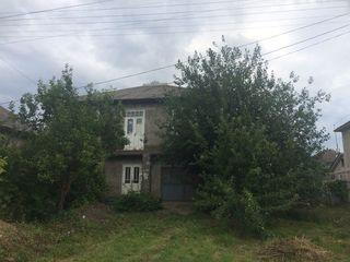 Se vinde casa cu 2 etaje Donduseni