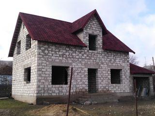 Casa + garaj