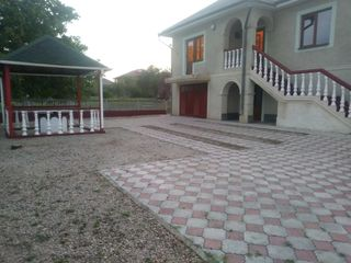 Se vinde casa cu 2 etaje in satul Carpineni, la 10 minute pe jos de la spital