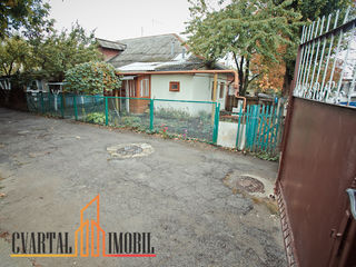 Se propune spre vanzare apartament la sol amplasat in sectorul Ciocana, strada Budai.