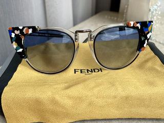 Продам женские солнцезащитные очки FENDI