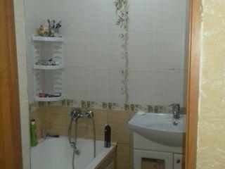 срочно продадим квартиру/ urgent vindem apartament 2 cameri etajul 3