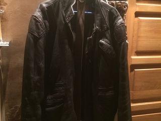 Кожаная куртка L-XL