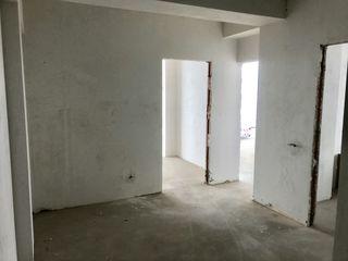 Apartament spatios 60 m2 cu 2 odai! Etajul 4!Casa noua!