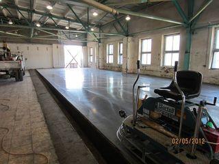 индустриалные бетоные полы,мозаичные полы,шлифовка бетона.