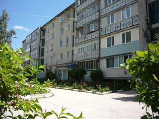2-x комнатная квартира.3-этаж. Середина дома. Парковая зона. Возле лицея Василе Коробан+ подвал