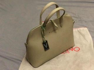 Valentino (new - original) ești o doamnă stilată, modernă și rafinată? atunci,e perfect pentru tine!