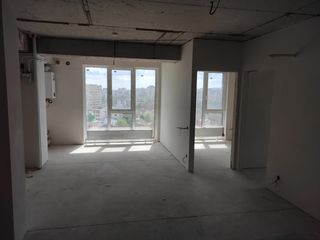 Centru, Apartament cu 3 odaiii + Living 90m2 super preț
