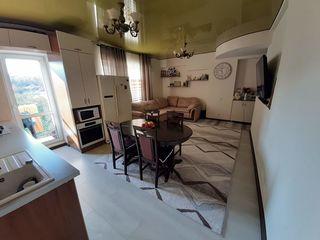 Se vinde apartament cu 2 camere! +garaj 24 m2, euroreparație, 54 m2! autonomă! nivelul3 din 5!