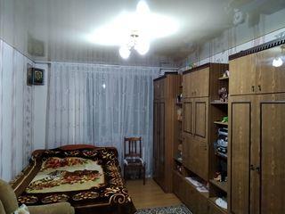 Продается 1 комнатная квартира 37 кв. м. большая кухня, ремонт, мебель, бойлер, стеклопакет. Дом кот