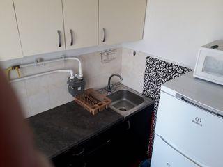 Sa da apartament in chirie in regiunea Steluta, apartamentul este cu o  camera la etajul 5,