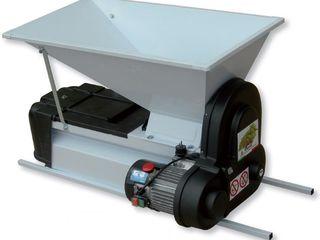 Teascuri/motor pentru vin/ zdrobitori de struguri.butoi bpastic lemn inox livrare. preturi mici