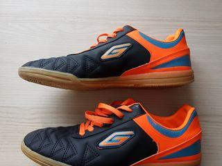 Новые кроссовки за 250 Лей