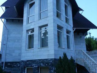 Casă - reședință în 4 nivele sect.Buiucani, str.Drumul Taberei,2