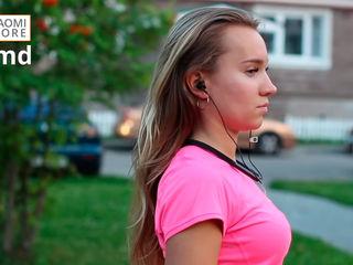 Твоя любимая песня зазвучит ещё лучше в наушниках Xiaomi Mi Bluetooth Neckband Collar Earphones!