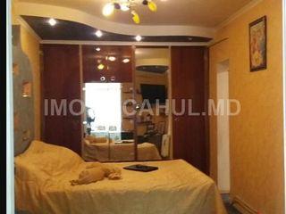 Срочно продается 3-х комнатная квартира в районе Спирина