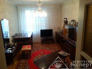Продается 3-комнатная квартира 1/5 по Юности р-н сквера Авиаторов .Цена 24500 $