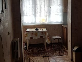 Срочно  4 комнатная квартира Дрокия .Супер хорошии вариант