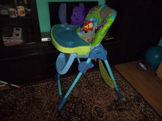 Scaunel pentru alimentatia copilului. стульчик для кормления ребёнка.