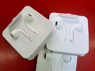 Оригинальные наушники от Iphone11. AirPods 2. AirPods Pro. Samsung AKG. Новые в запечатаных коробках