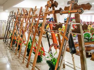 Кресты деревянные, кресты из металла, кресты кованые. 100+ моделей в наличии, магазин 1500 кв. м.