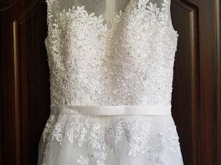 Платье свадебное новое. 1000 лей.