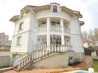 Casă, 3 nivele, design individual, zonă de parc, Buiucani, 3500 €