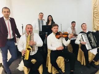 Formația BIS - cel mai bogat repertoriu muzical de petrecere!
